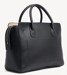 SAC A MAIN NOIR CHARMING TOMMY SATCHEL TOMMY HILFIGER  AW0AW06463 002 www.solene-maroquinerie.fr