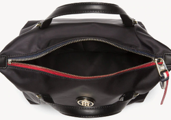 SAC TOMMY HILFIGER POPPY SMALL TOTE NOIR AW0AW04361 002 www.solene-maroquinerie.fr